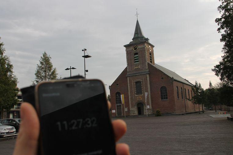 Het uurwerk van de Sint-Amanduskerk geeft al enkele dagen het verkeerde uur aan.