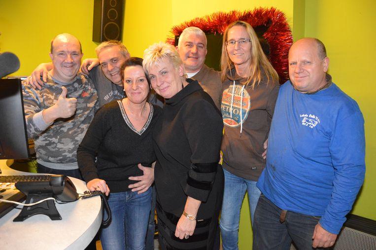 Een deel van het radio P.R.O.S.-team in de studio.