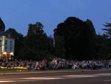 Tuin bij Villa Ruimzicht afgeladen voor Buitenfilm Bohemian Rhapsody