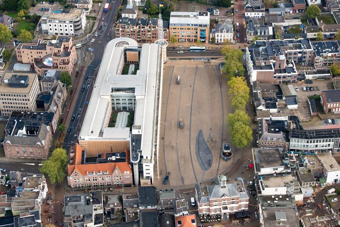 Stadhuis en Marktplein in het centrum van Apeldoorn