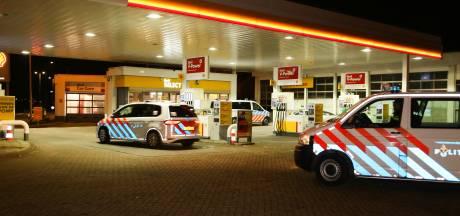 Shell in Dordrecht overvallen door man met vuurwapen; dader vlucht zonder buit weg op fiets
