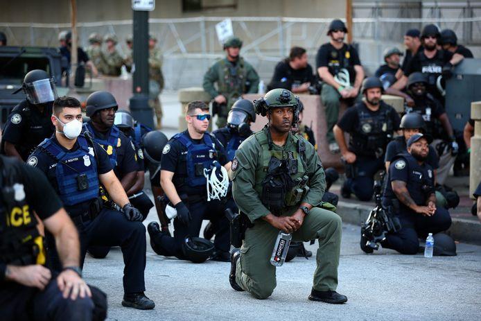 Les policiers à Downtown Atlanta, en Georgie.