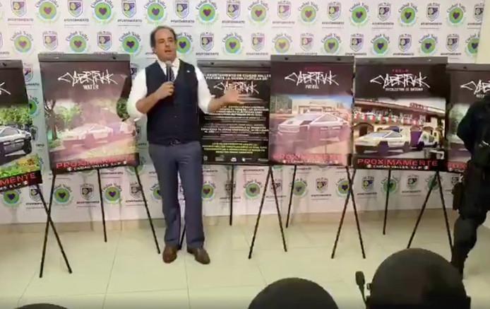 De burgemeester kondigde zijn aankoop toe tijdens een persconferentie