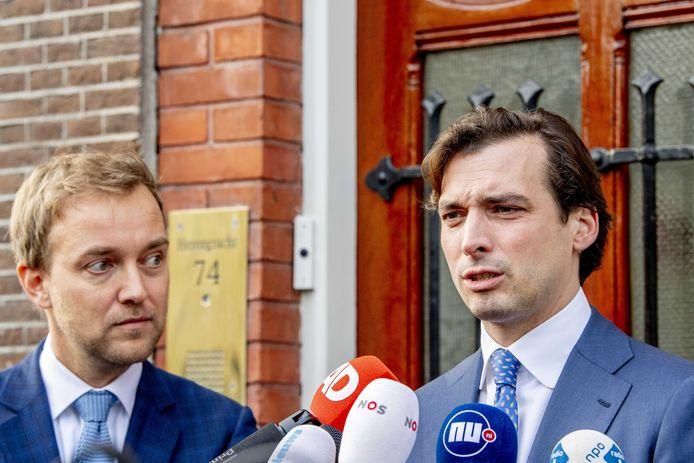 Thierry Baudet (R) en vicevoorzitter Lennart van der Linden stonden dinsdag nog wel samen de pers te woord.