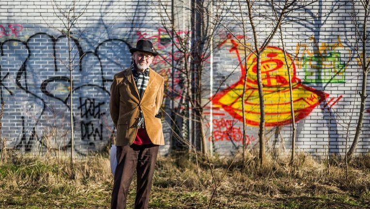 Paul Gofferjé op de Paardenwei: 'Begrijpen Amsterdammers dan niet dat bomen voor lucht zorgen?' Beeld Tammy van Nerum