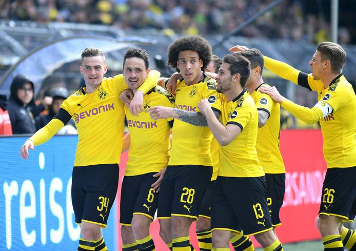 Borussia Dortmund viert de goal.