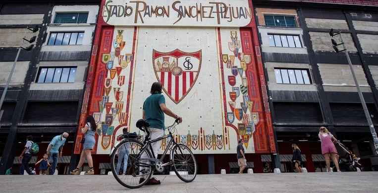 Het Sanchez Pizjuan in Sevilla, waar vanavond een bijzonder speciale 'El Gran Derbi' gespeeld wordt.