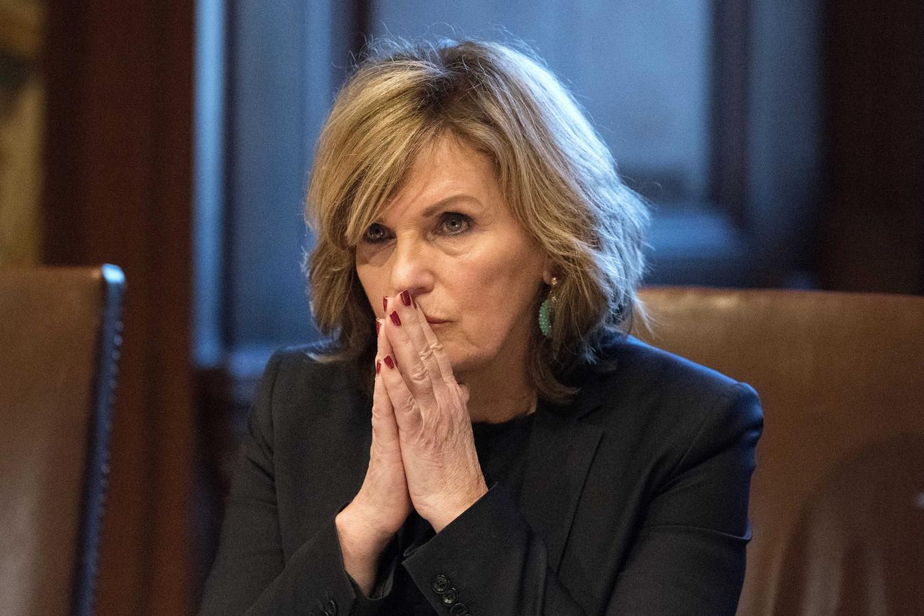 Pia Dijkstra (D66) tijdens de stemming in de Eerste Kamer over het initiatiefvoorstel van Dijkstra om een actief donorregistratiesysteem in te voeren.
