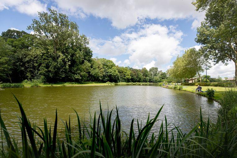 Vijver in park De Mote in Koekelare