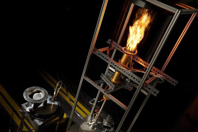 Team SOLID van de TU/e ziet ijzerstof als toekomstig alternatief voor fossiele brandstoffen.