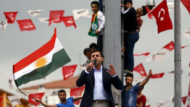 De Koerdische oppositieleider Selahattin Demirtas tijdens een verkiezingsbijeenkomst in Istanboel.