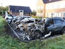 Culemborg opgeschrikt door brand: vier auto's in vlammen op