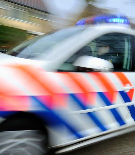 Botsing tussen politiebus en taxi op de Erasmusbrug, airbag gaat af