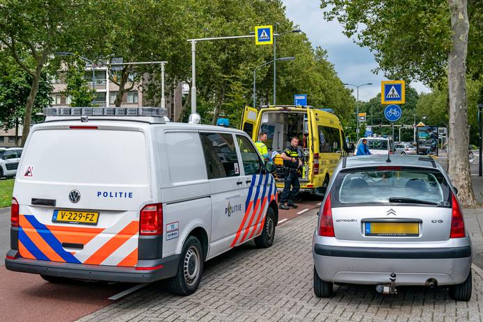 Vrouw op scootmobiel gewond op oversteekplaats Oosterhout.