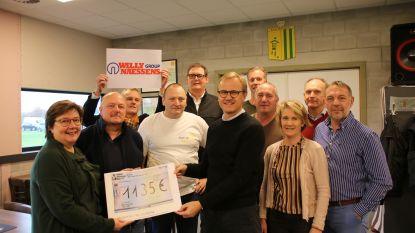Moregem Koerse schenkt 1.135 euro aan fonds Pieter-Jan Leutenez