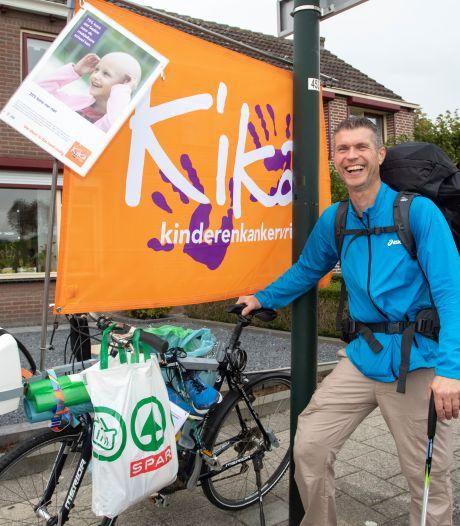 Jaco wandelt acht dagen door Zeeland voor Kika: 'Slapen doe ik wel bij mensen in de tuin'