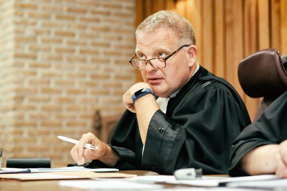 De rechtbank - Geert Vandaele