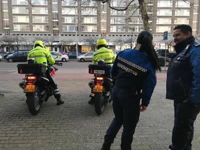 16 boetes voor fietsen op stoep