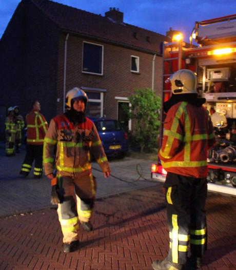 Veel rook vrij bij schuurbrand achter woning in Eibergen