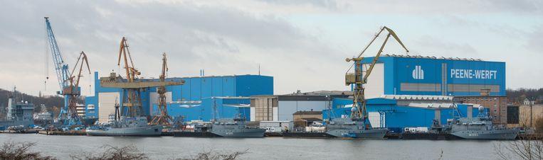 De werf van Lürssen Peene waar de Saoedische patrouilleboten worden gebouwd. Beeld Foto AFP