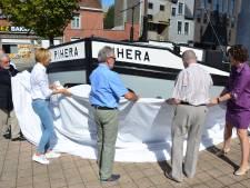 Gerenoveerde scheepsboeg Rihera onthuld in Sleepstraat