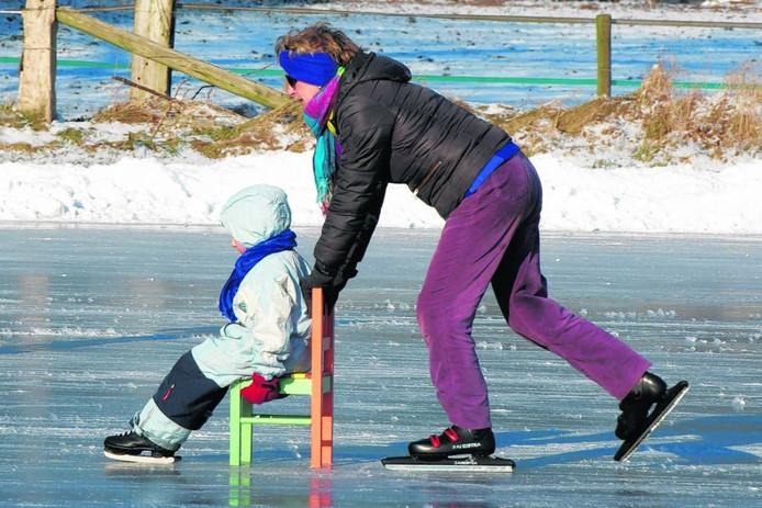 Schaatsen in Laag-Soeren, in februari 2012. Foto Marc Pluim