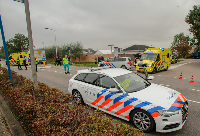 Hulpdiensten rukten uit na een ongeval op de Sliedrechtse Parallelweg.