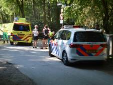 Mountainbiker gewond na botsing met auto in Mook