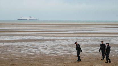 Franse en Britse autoriteiten redden 43 migranten op zee