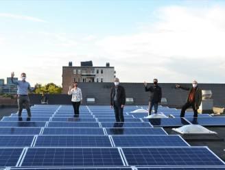 Eerste coöperatieve burgerenergieproject in gebruik genomen: inwoners delen in winst zonnepanelen op kribbe
