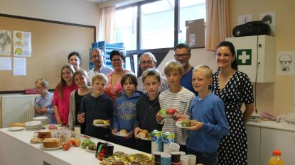 Diksmuide trakteert basisscholen op gezond ontbijt