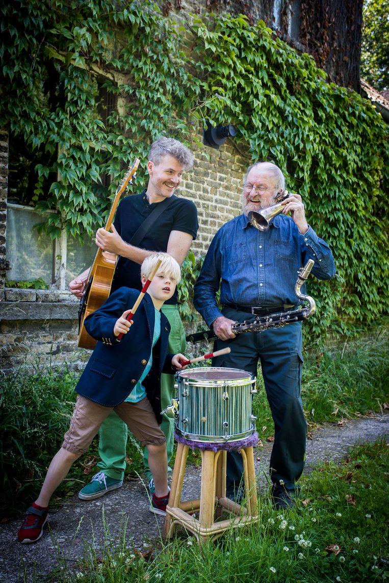 Drie generaties Vermandere: Augustijn (42), zoon Mozes (7) en vader Willem (79).