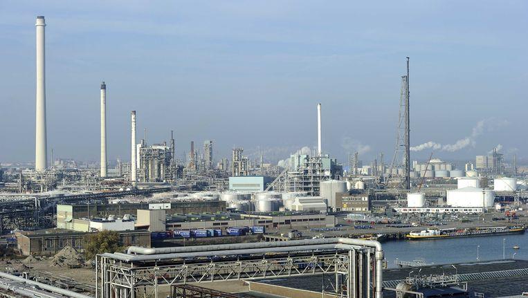 De illegale opslag zat in twee schepen, in de havens van Rotterdam en 's-Gravendeel. Beeld ANP XTRA