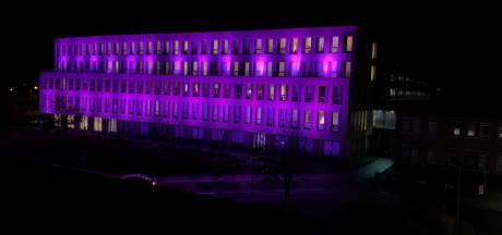 St Jansdal in Harderwijk kleurt paars voor Wereld Prematuren Dag