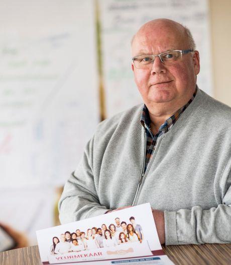 Enschedeër Marcel (64) promoveert in Engeland op Twents mantelzorgonderzoek: 'Het blijft mijn missie'