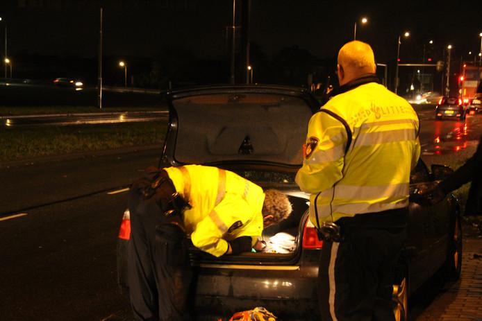 De politie heeft ook nog een bijvangst gedaan tijdens de controle gisteravond: 1400 euro aan openstaande boetes.