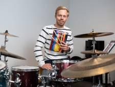 Joost uit Vroomshoop bedenkt een eigen lesmethode voor drummen