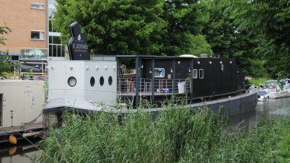 """Restaurantboot De Jachthaven zoekt nieuwe eigenaar: """"We willen het wat rustiger aan doen"""""""