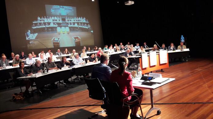 De Achterhoekse raad met 49 raadsleden controleert de Achterhoek Board.