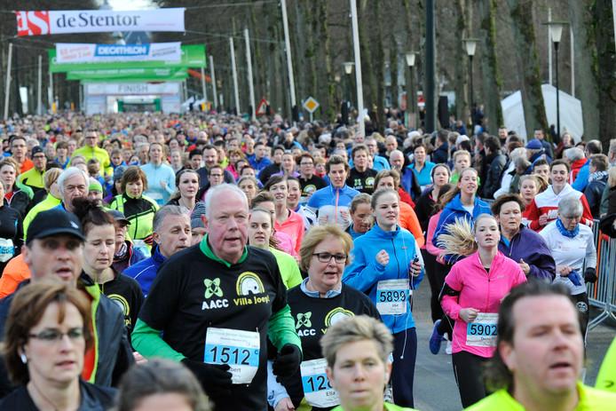 Op zondag 3 februari lopen er net geen veertienduizend mensen over de Loolaan.
