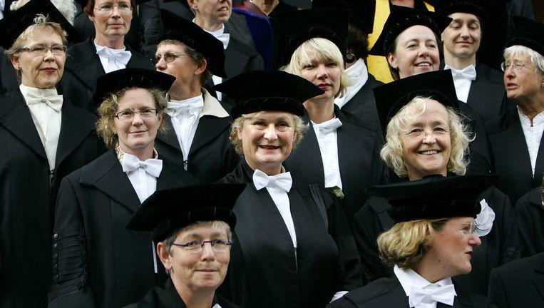 Vrouwelijke hoogleraren voor het Academiegebouw in Groningen, 2006. Beeld ANP