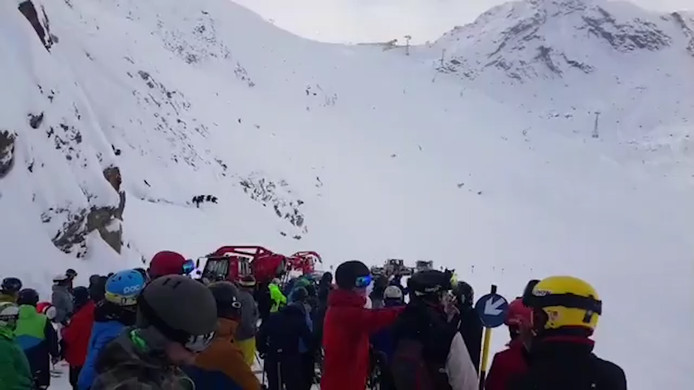 Met man en macht werd er gezocht naar de skiërs