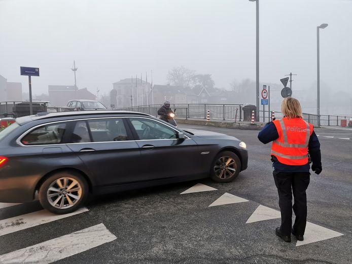 De politie hield een oogje in het zeil op de mogelijke knelpunten in Halle tijdens de eerste spits.