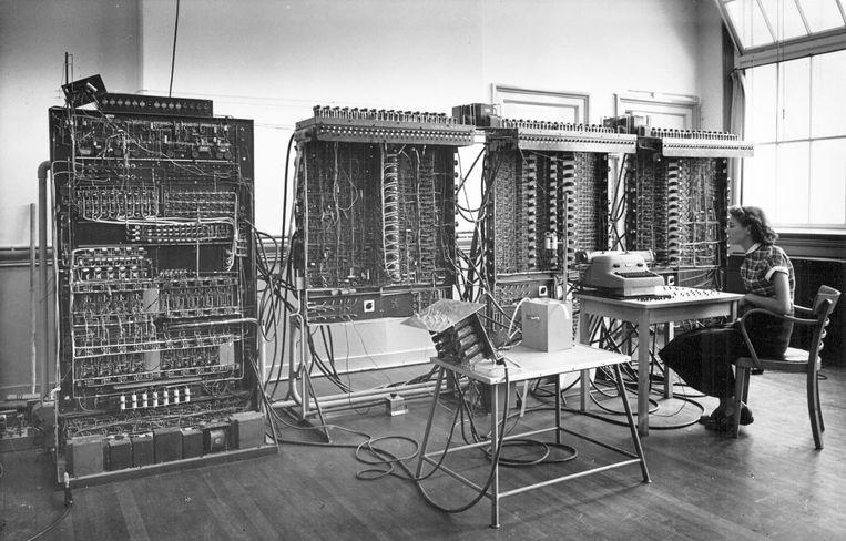 De eerste Nederlandse computer, de Automatische Relais Rekenmachine Amsterdam (ARRA) in 1952. Beeld null