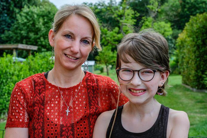 Kiana en haar mama Aïssa afgelopen zomer.