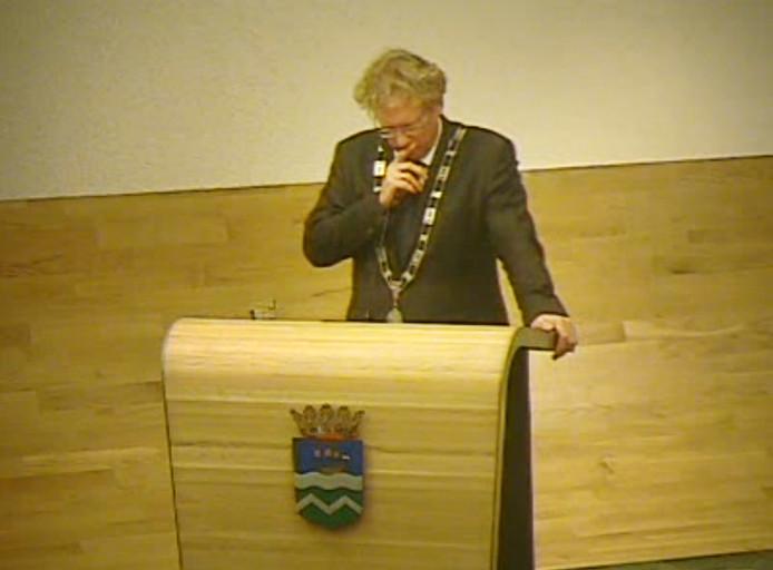Burgemeester Rodenburg dinsdagavond tijdens de voor hem dramatisch verlopen raadsvergadering.