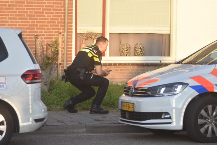 De politie doet onderzoek in de Wilhelminastraat.