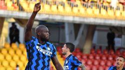 Tweeklapper voor Romelu Lukaku in spektakelzege tegen Benevento, 'Big Rom' maakt snelste Inter-goal sinds 2004