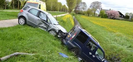 Twee gewonden na flinke klap in Elst