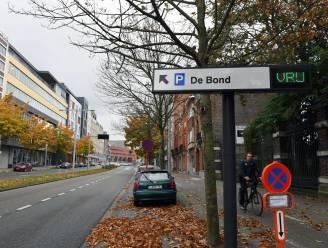 """Katrien Houtmeyers (N-VA) klaagt problemen met verouderd parkeersysteem aan: """"Nieuw systeem komt in 2021"""", reageert schepen David Dessers (Groen)"""